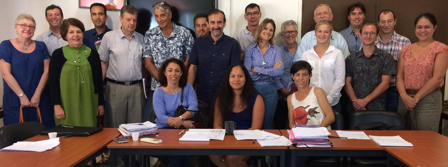 Photo de groupe, lors de la réunion de concertation, sur le cadre normatif de la filière bois local, du 21-06-2018.